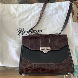 Brighton purse with bag holder